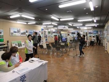 北海道から沖縄慶良間国立公園まで6ブロックに分けて展示した国立公園コーナー